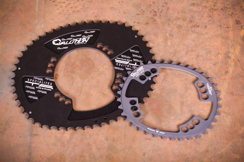Specialites Ovalution 4 arm chainrings
