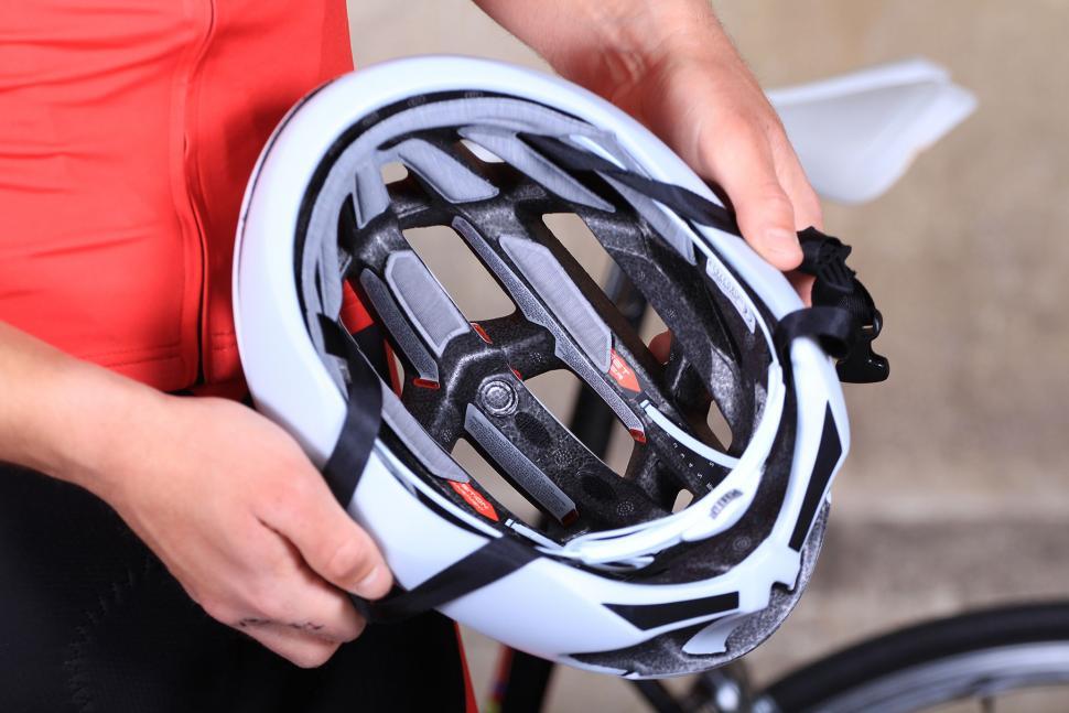 Specialized Airnet Helmet - inside.jpg