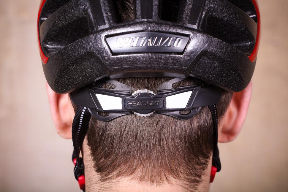 Specialized Align Helmet Gloss Red Fade - ratchet system.jpg