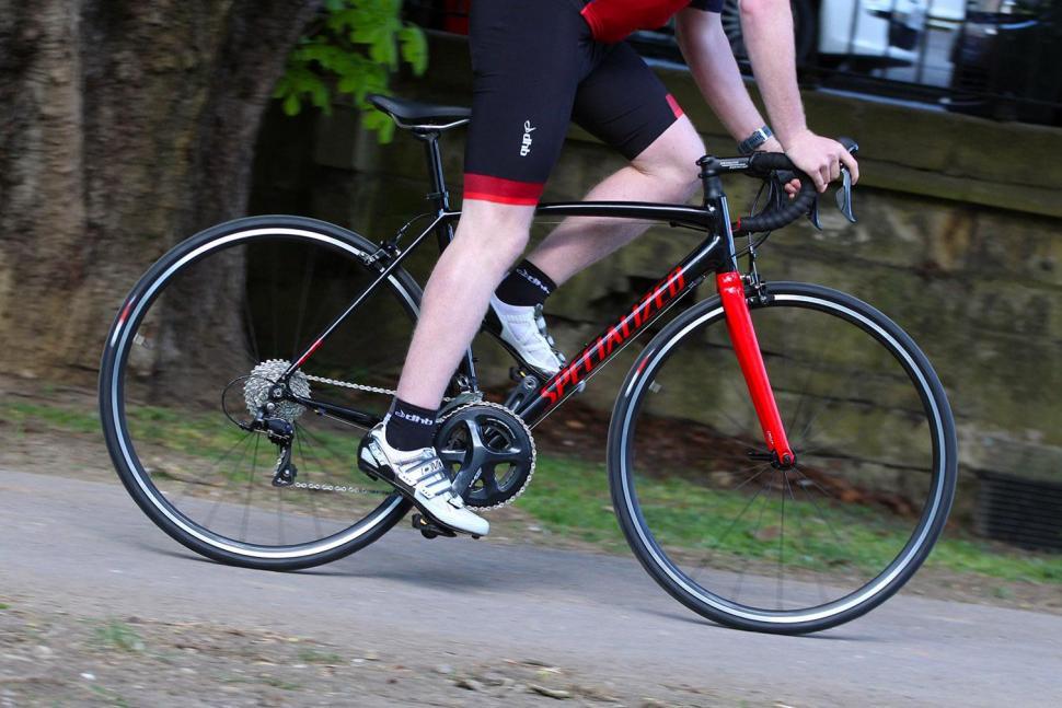 Specialized Allez E5 - riding 1.jpg