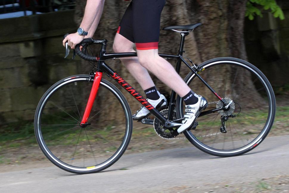 Specialized Allez E5 - riding 2.jpg