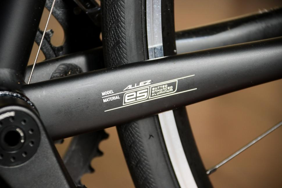 Specialized Allez Elite - chain stay detail.jpg