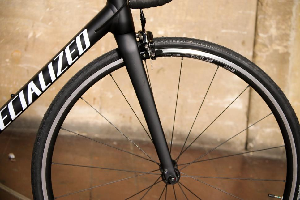 Specialized Allez Elite - fork.jpg