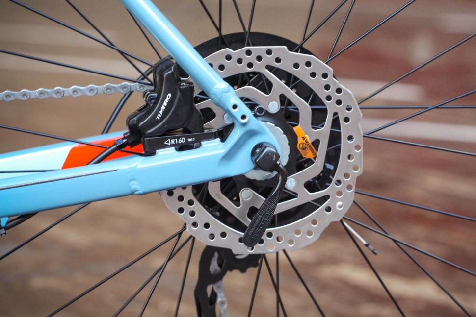 Specialized Crosstrail - rear disc brake.jpg