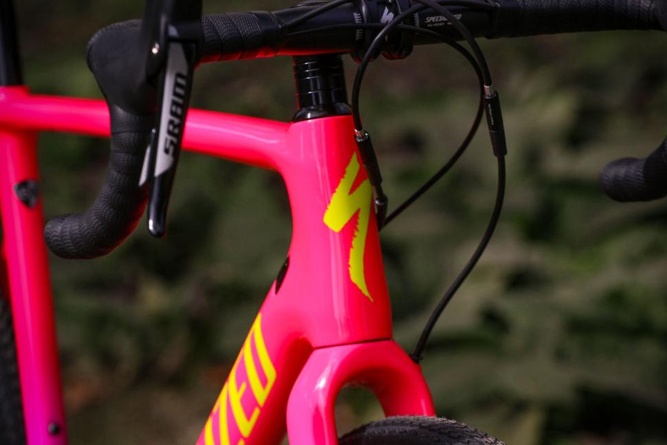 Specialized Crux Elite - head tube badge.jpg