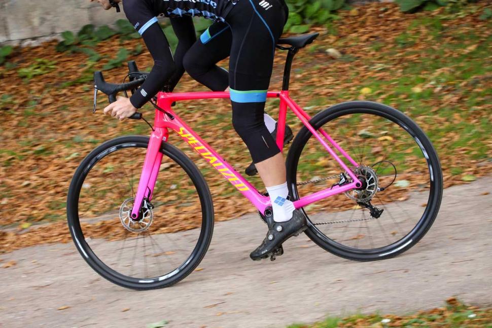 Specialized CruX Elite - riding 2.jpg