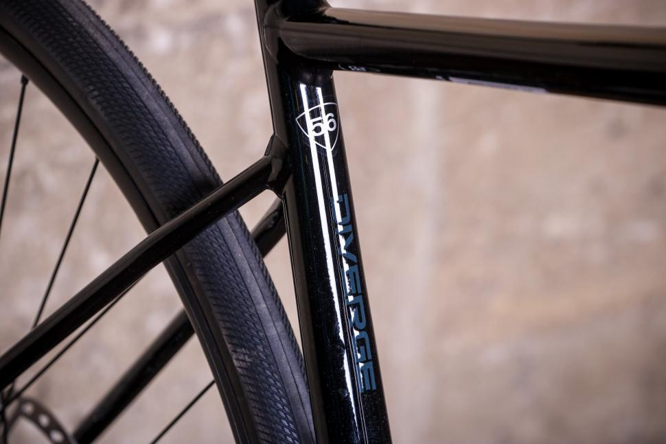 Specialized Diverge Comp E5 - seat tube suze and graphic.jpg