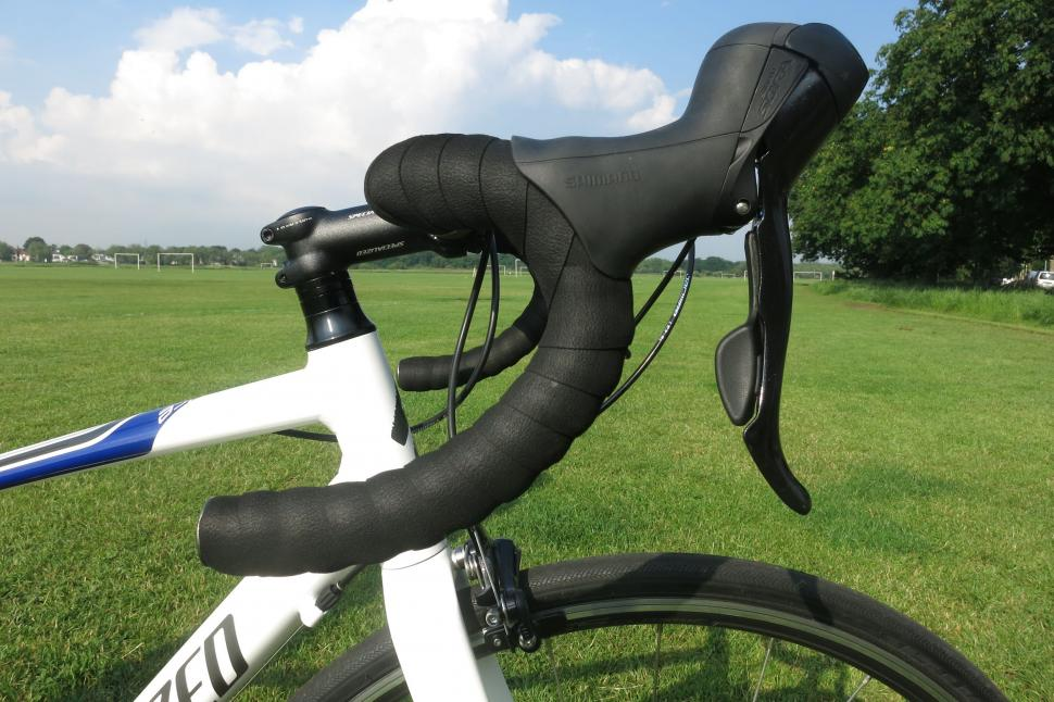 Specialized Dolce - shallow drop bars.jpg