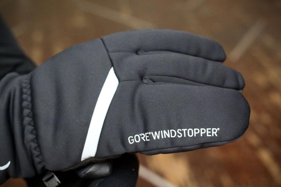 Specialized Element 2.0 gloves - detail 1.jpg