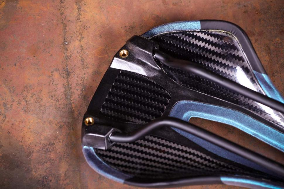 Specialized Power Arc Pro Elaston saddle - underside detail.jpg