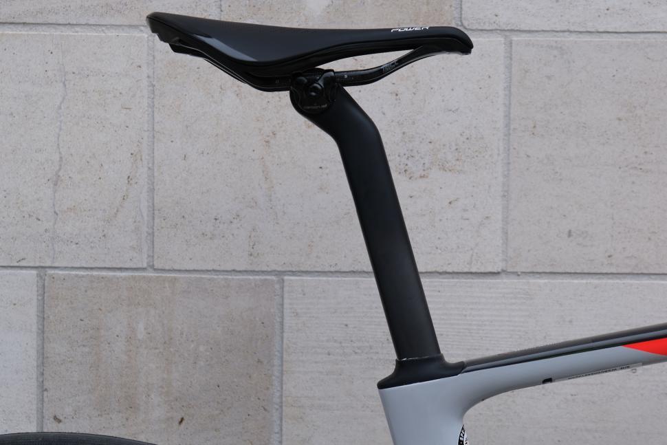 Specialized Roubaix 20.JPG