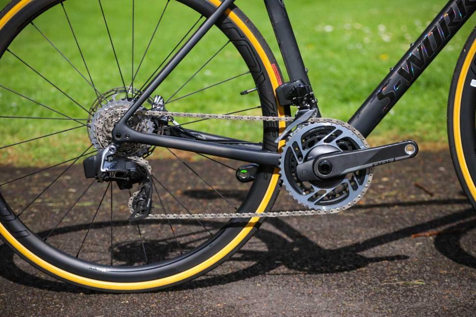 Specialized Roubaix - drivetrain.jpg