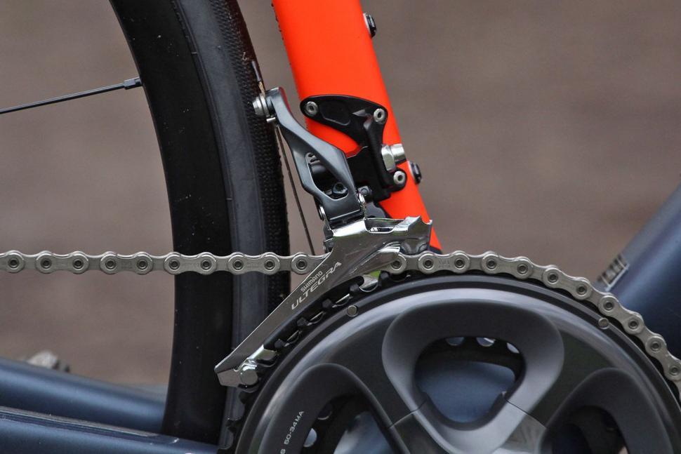 Specialized Roubaix Expert - front mech.jpg
