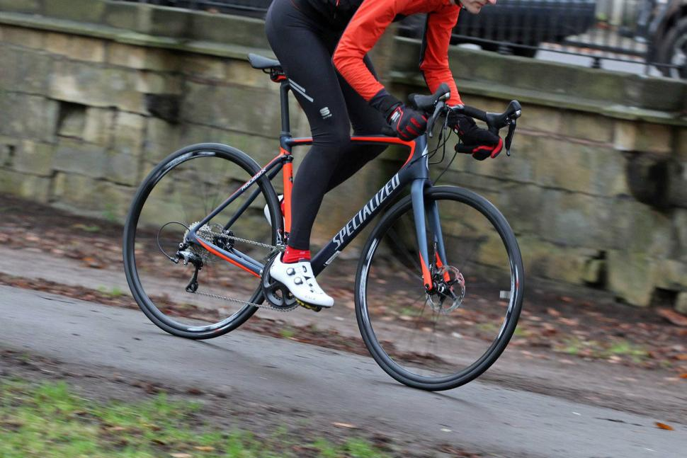 Specialized Roubaix Expert - riding 5.jpg