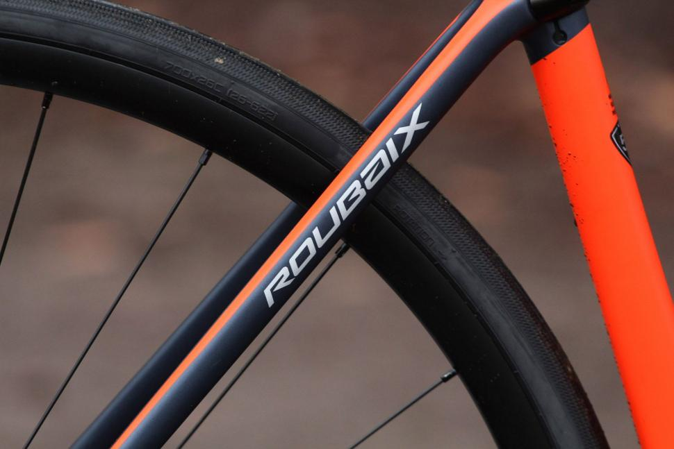 Specialized Roubaix Expert - seat stay.jpg