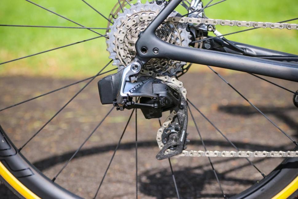 Specialized Roubaix - rear mech.jpg