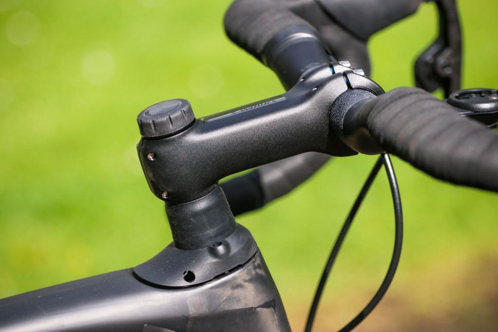 Specialized Roubaix - stem.jpg