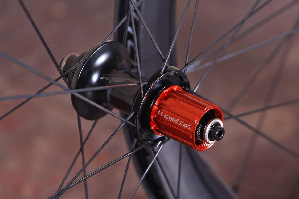 Specialized Roval CLX 50 DISC Wheelset - rear hub.jpg