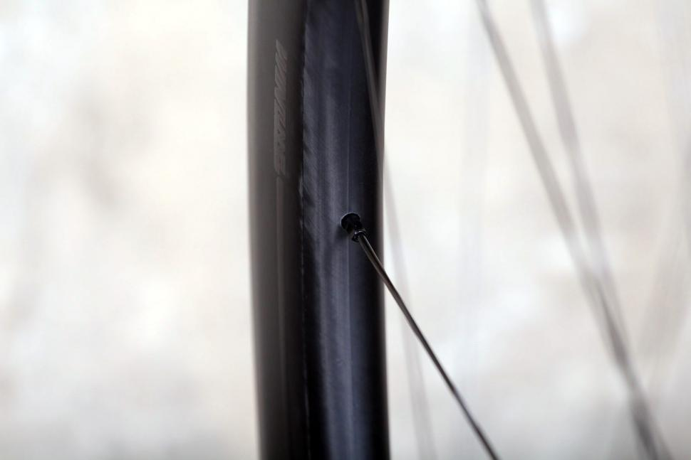 Specialized Roval CLX 50 DISC Wheelset - spoke nipple.jpg