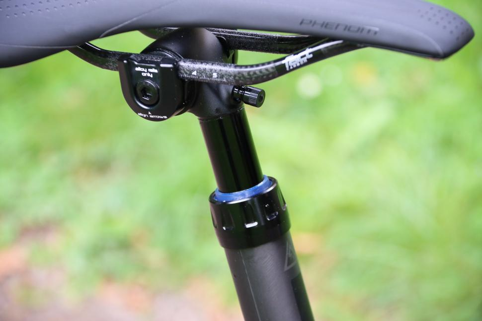 Specialized S-Works Diverge - dropper post detail.jpg