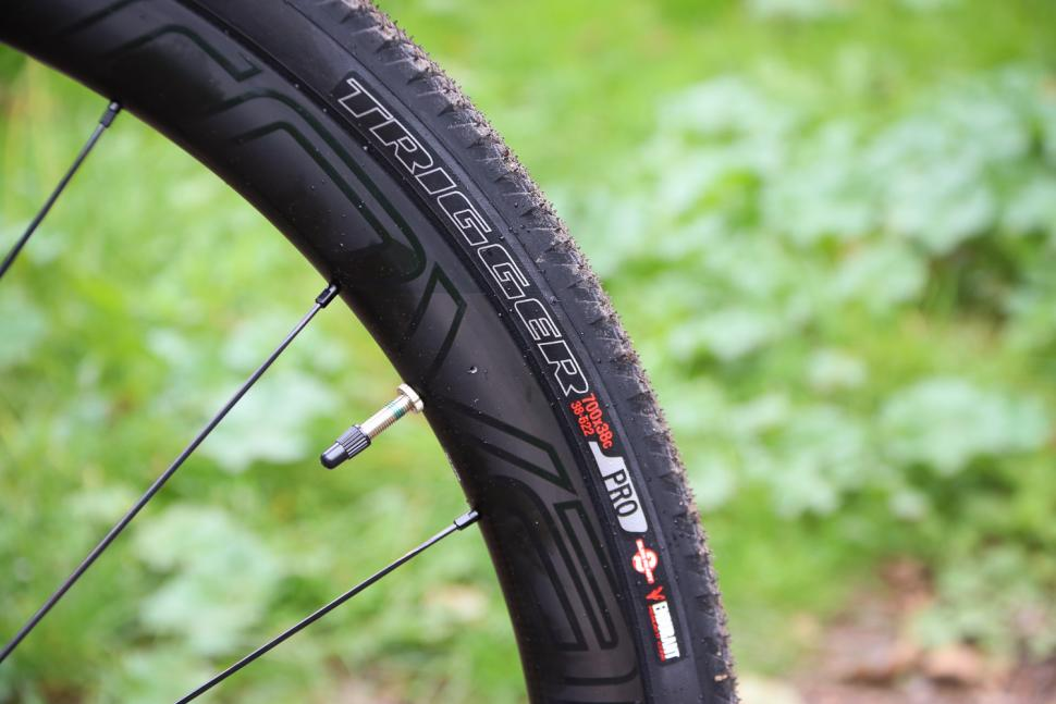 Specialized S-Works Diverge - tyre.jpg
