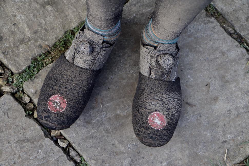 Specialized S-Works Exos shoes muddy2.jpg