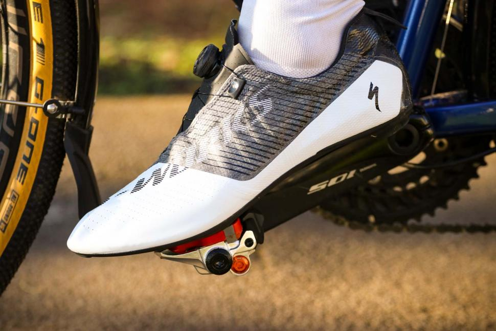 Specialized S-Works EXOS shoes - riding 1.jpg