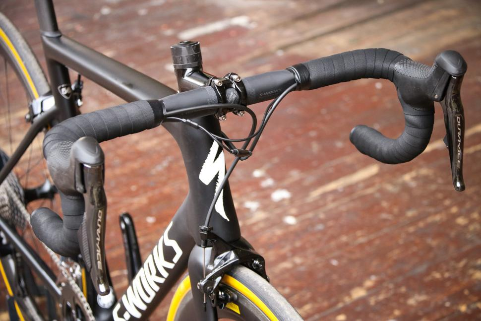 0cfcc162d59 The redesigned S-Works Tarmac – lighter, more aero and comfortable –  provides superlative performance. It's a big step forward from the previous  bike, ...