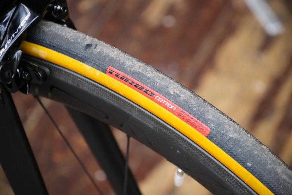 Specialized S-Works Tarmac - tyre.jpg