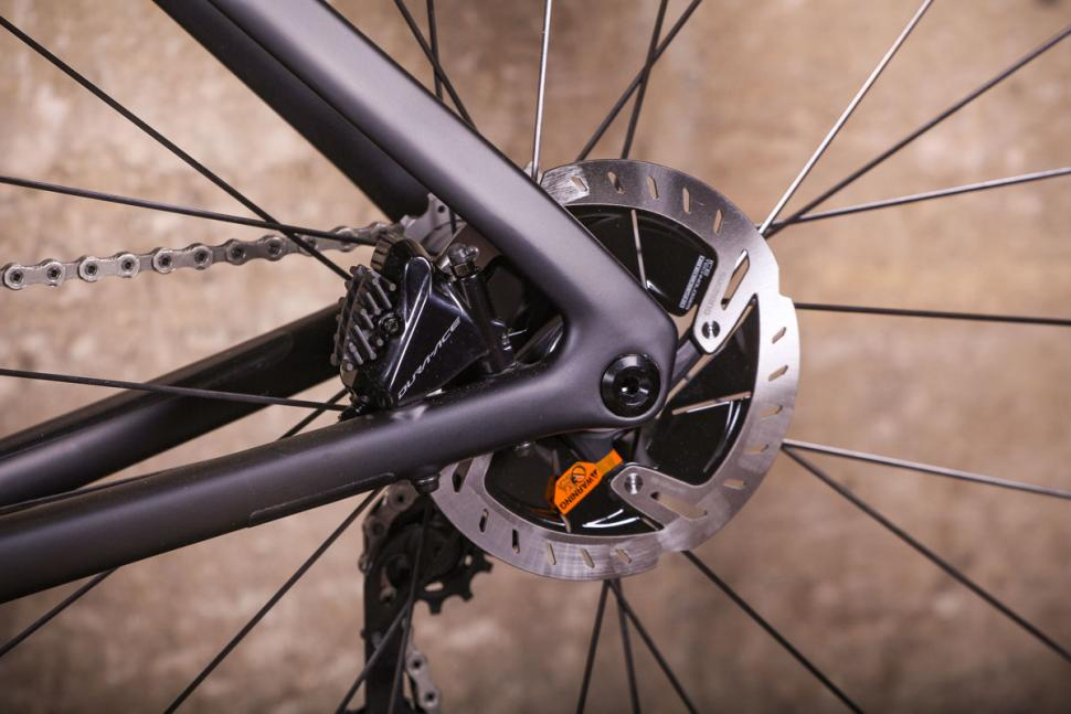 Specialized S-Works Venge - rear disc brake.jpg