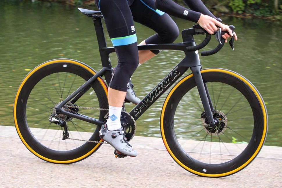 Specialized S-Works Venge - riding 1.jpg
