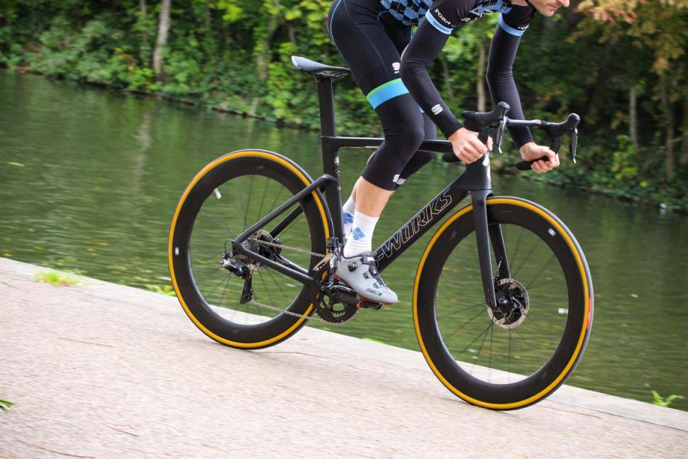 Specialized S-Works Venge - riding 3.jpg