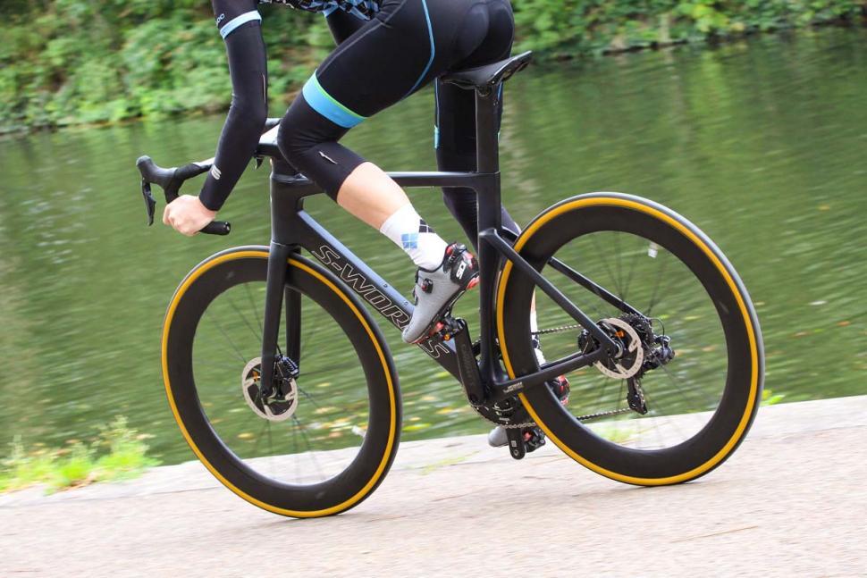 Specialized S-Works Venge - riding 4.jpg