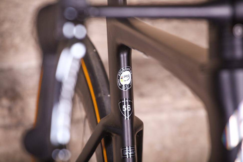 Specialized S-Works Venge - UCI sticker 2.jpg