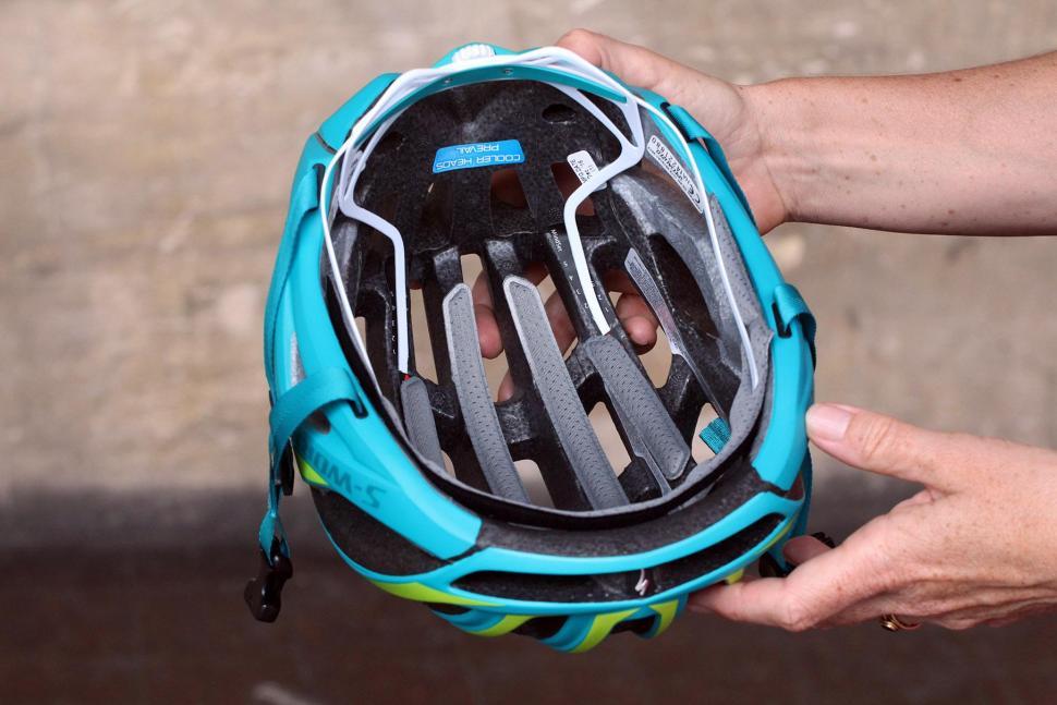Specialized S-Works Women's Prevail II Helmet - inside.jpg