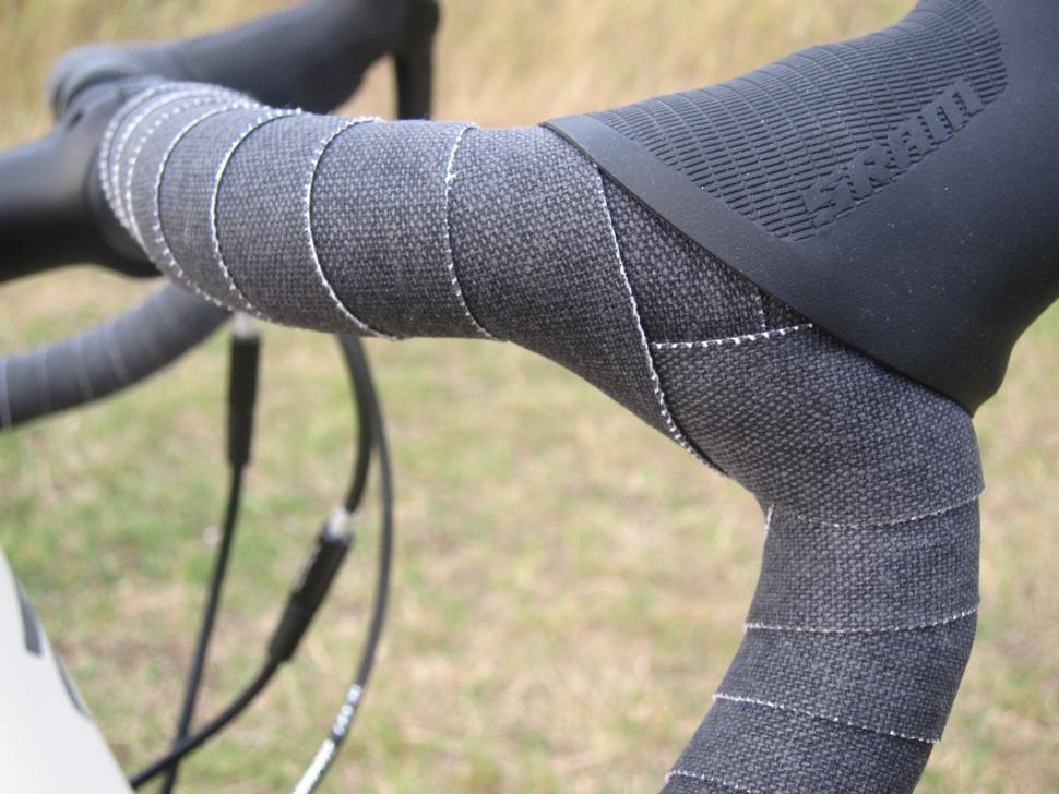 Specialized Sequoia Expert - Canvas Bar Tape.jpg