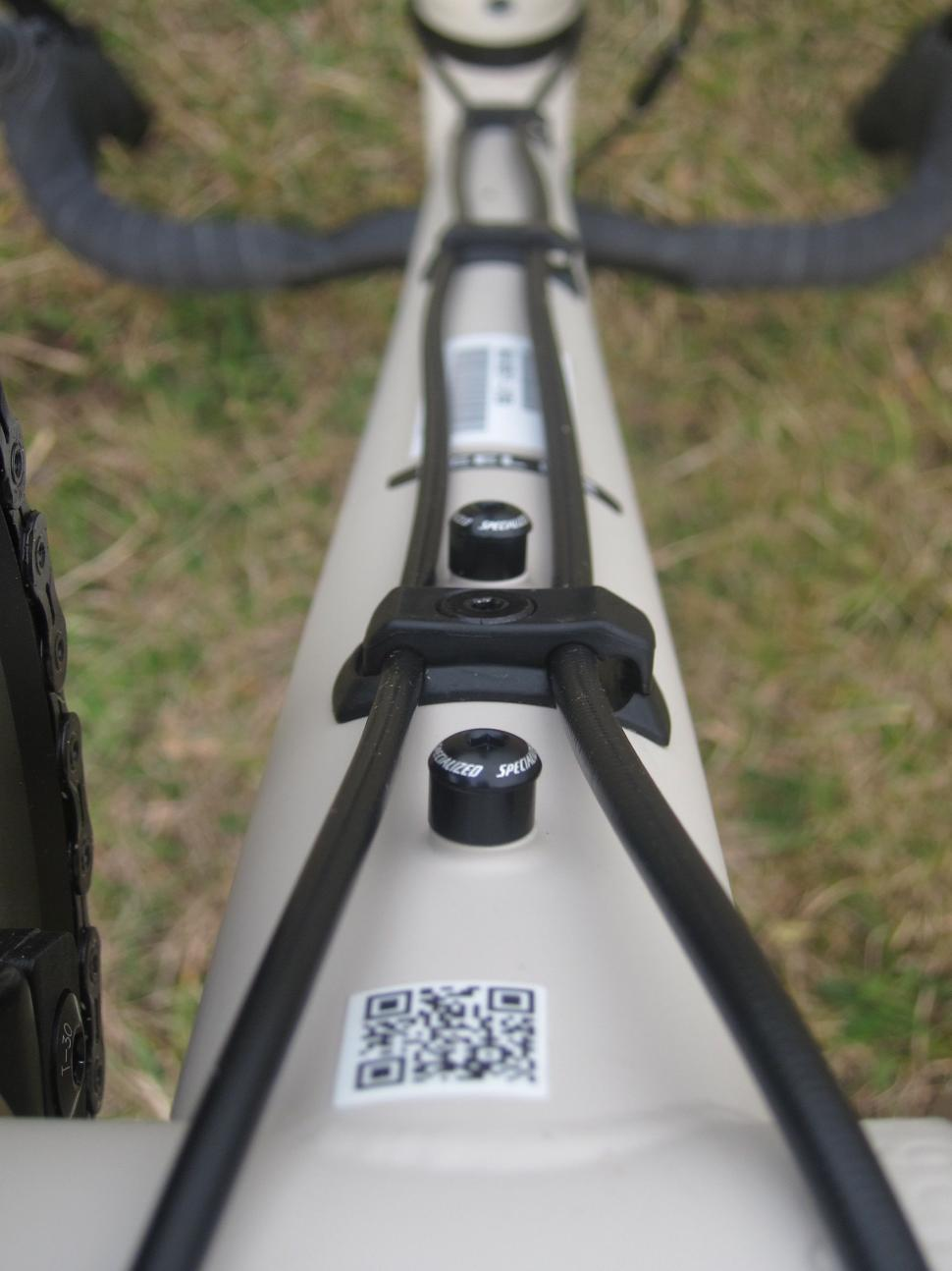Specialized Sequoia Expert - Down Tube Cable Routing Bottle Boss.jpg