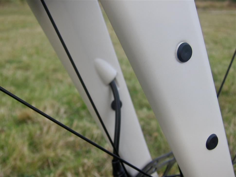 Specialized Sequoia Expert - Fork Mounts.jpg