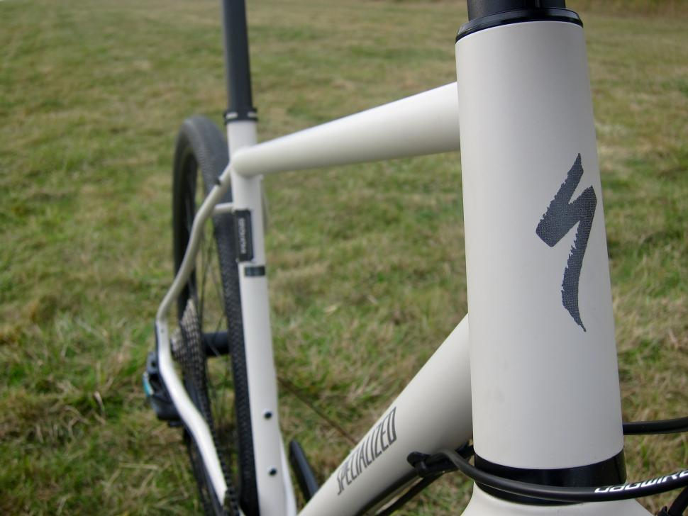 Specialized Sequoia Expert - Head Tube Front.jpg