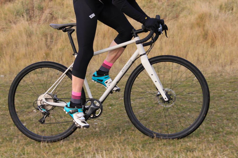 Specialized Sequoia Expert - Riding 2.jpg