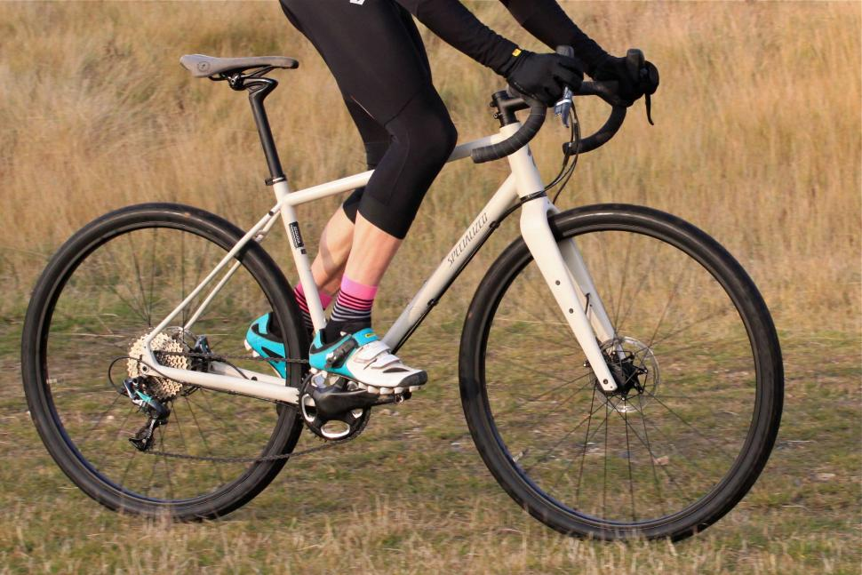 Specialized Sequoia Expert - Riding 3.jpg