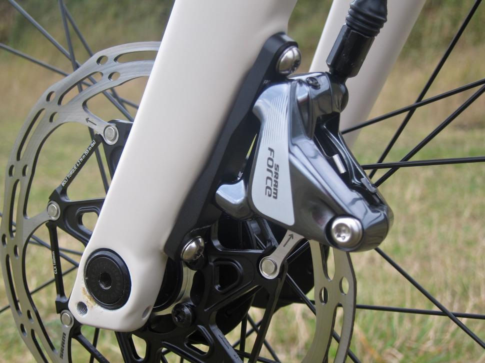 Specialized Sequoia Expert - SRAM Force Brake FlatMount Fork.jpg