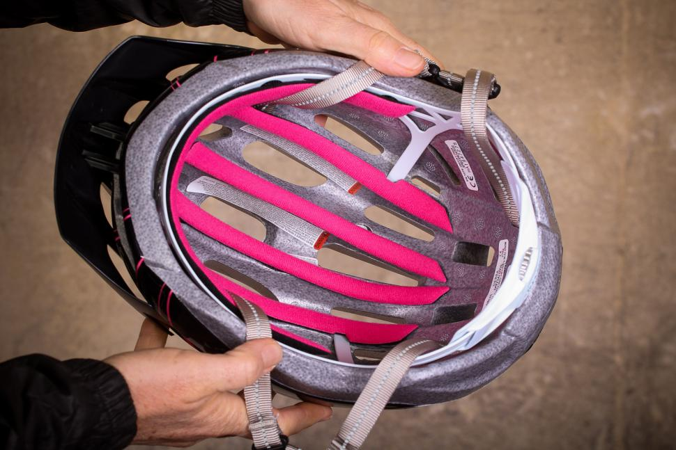 Specialized Sierra Gloss Acid Pink Arc Womens Helmet - inside.jpg