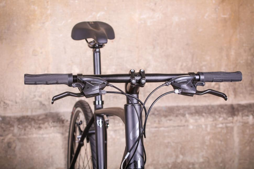 Specialized Sirrus Alloy - bars.jpg