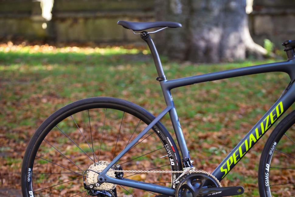 Specialized Tarmac Disc Sport - rear.jpg