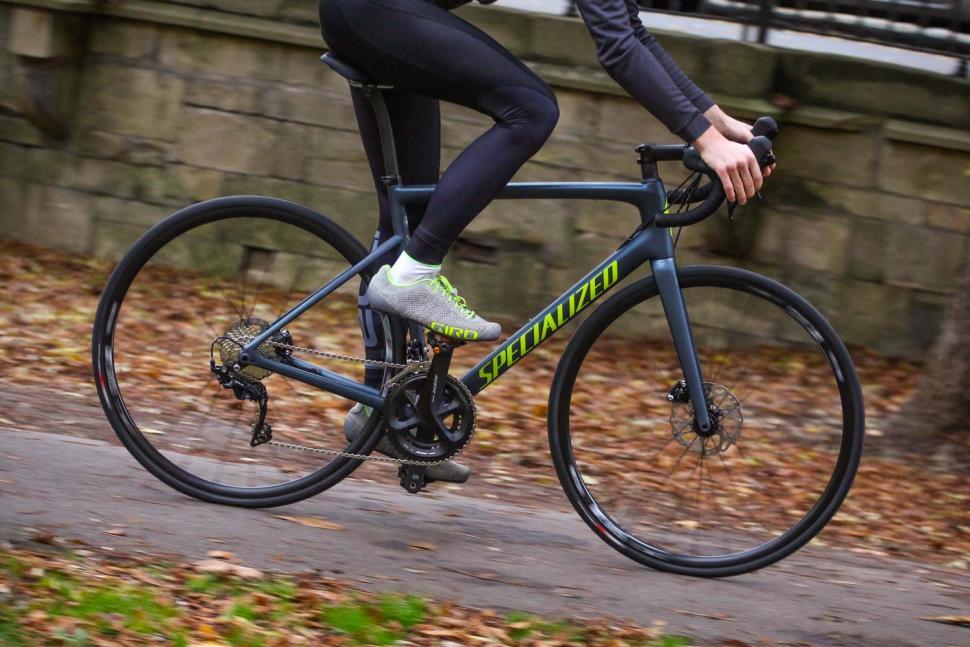 Specialized Tarmac Disc Sport - riding 1.jpg