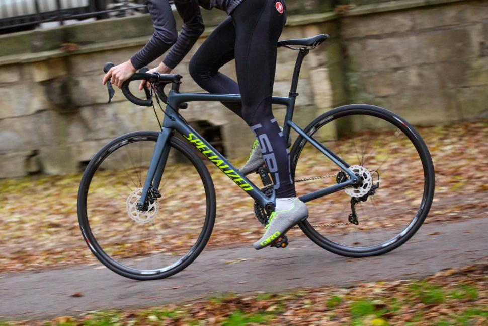 Specialized Tarmac Disc Sport - riding 2.jpg