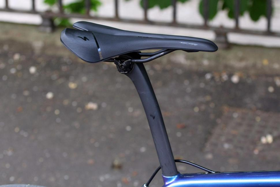Specialized Tarmac Expert - saddle and post.jpg