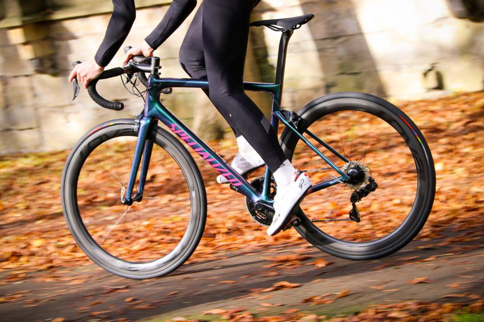 Specialized Tarmac SL 6 Pro - riding 2.jpg
