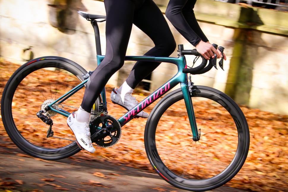 Specialized Tarmac SL 6 Pro - riding 3.jpg